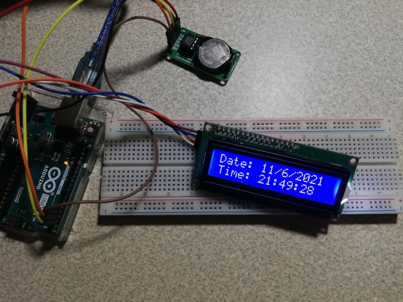 DS1302 RTC device displaying time on LCD