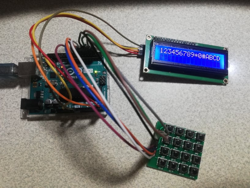 Working keypad with inputs displayed on the LCD